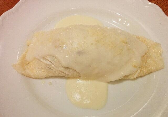 キッチン大宮の「純白のオムライス」